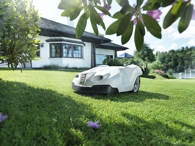 robotická sekačka trávníku