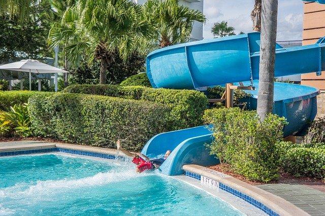 Jak efektivně využívat bazénovou chemii